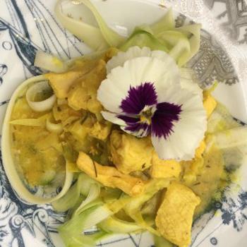 Live Zucchini Noodles with Vegan Parmesan